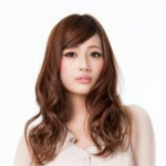 太田希望インスタで小山慶一郎と交際アピール炎上!疑惑写真とファンの反応!